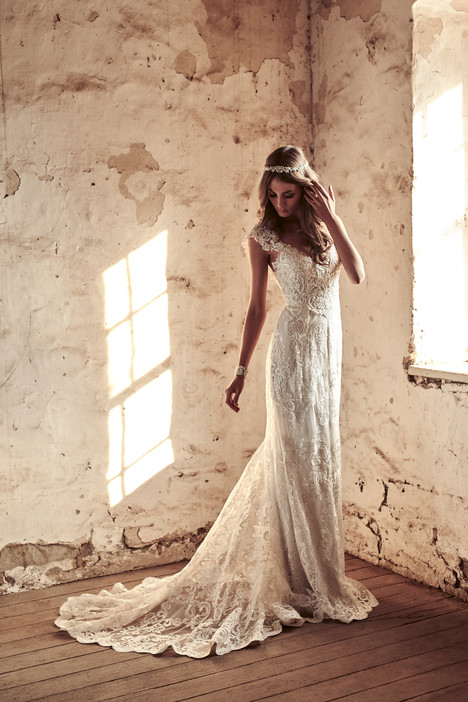 Alyssa gown from the 2018 Anna Campbell collection, as seen on Bride.Canada