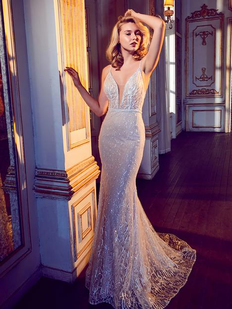 17252 gown from the 2017 Calla Blanche collection, as seen on Bride.Canada