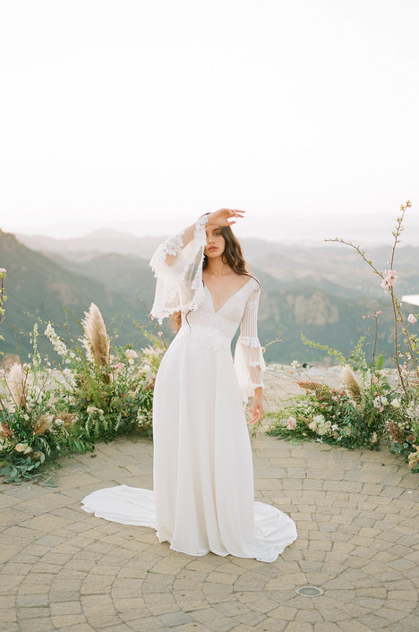 Sauvignon gown from the 2018 Claire Pettibone: Romantique collection, as seen on Bride.Canada