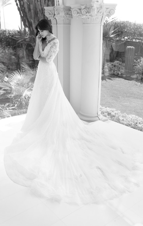 ARAB18603 gown from the 2018 Alessandra Rinaudo collection, as seen on Bride.Canada