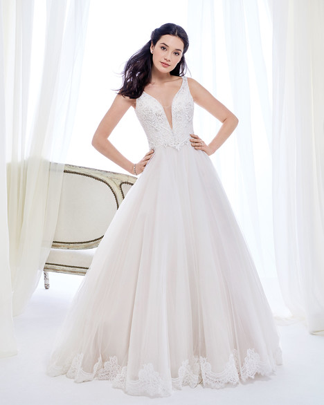 BE418 gown from the 2017 Ella Rosa collection, as seen on Bride.Canada