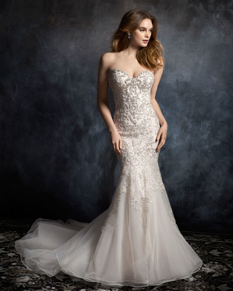 1754 gown from the 2017 Kenneth Winston collection, as seen on Bride.Canada
