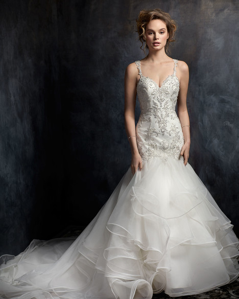 1756 gown from the 2017 Kenneth Winston collection, as seen on Bride.Canada
