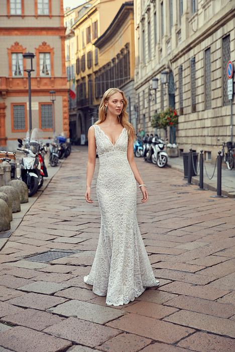MD241 gown from the 2018 Eddy K Milano collection, as seen on Bride.Canada