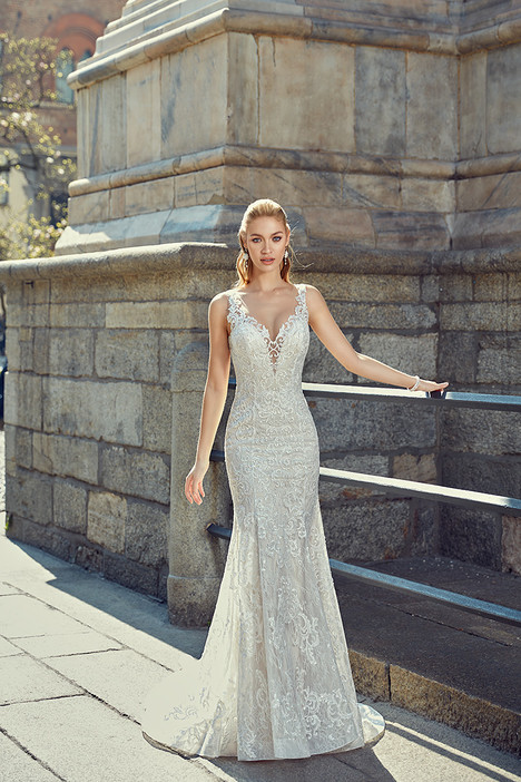 MD259 gown from the 2018 Eddy K Milano collection, as seen on Bride.Canada