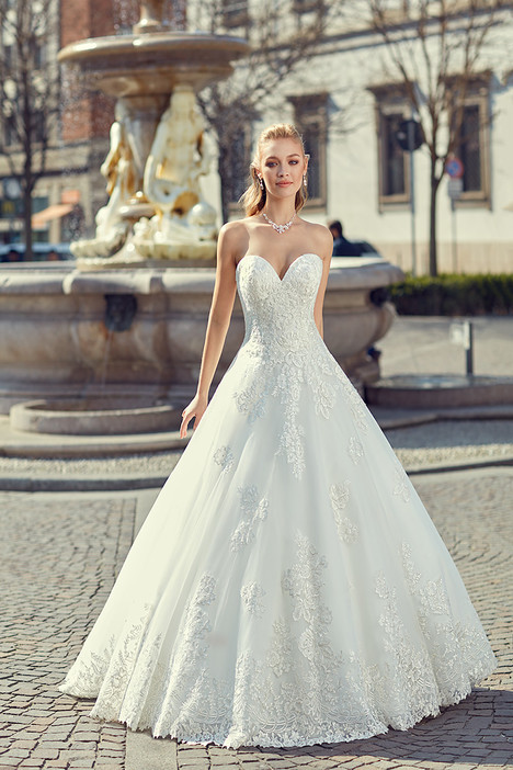 MD260 gown from the 2018 Eddy K Milano collection, as seen on Bride.Canada