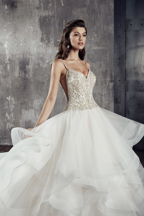 CT191 gown from the 2018 Eddy K Couture collection, as seen on Bride.Canada
