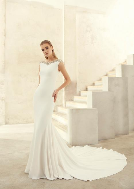 Zacaria gown from the 2018 Studio St. Patrick collection, as seen on Bride.Canada