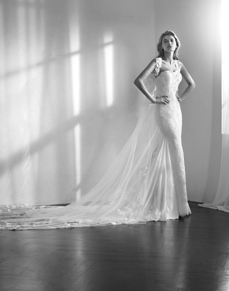 Zaim gown from the 2018 Studio St. Patrick collection, as seen on Bride.Canada