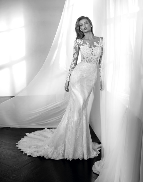 Zama gown from the 2018 Studio St. Patrick collection, as seen on Bride.Canada
