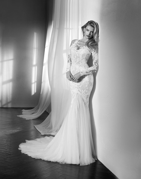 Zante gown from the 2018 Studio St. Patrick collection, as seen on Bride.Canada