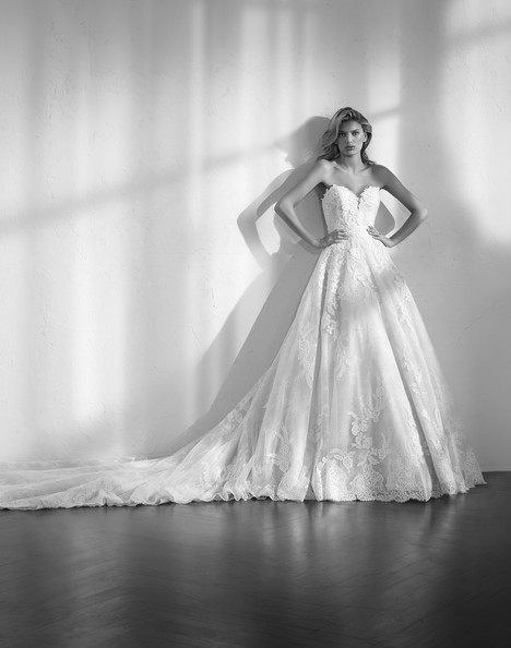 Zecile gown from the 2018 Studio St. Patrick collection, as seen on Bride.Canada