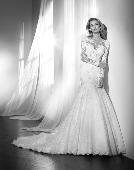 Zeltia gown from the 2018 Studio St. Patrick collection, as seen on Bride.Canada