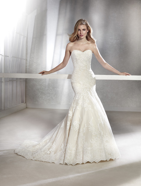 Fabula gown from the 2018 White One collection, as seen on Bride.Canada