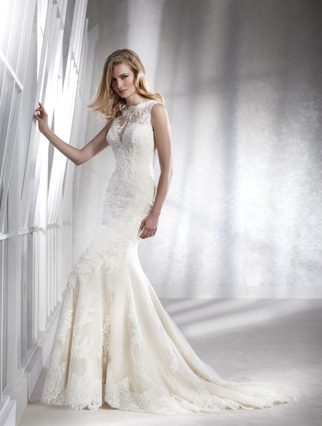 Farena gown from the 2018 White One collection, as seen on Bride.Canada