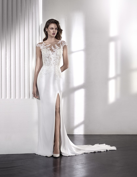 Lacey gown from the 2018 St. Patrick collection, as seen on Bride.Canada