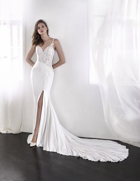 Lael gown from the 2018 St. Patrick collection, as seen on Bride.Canada