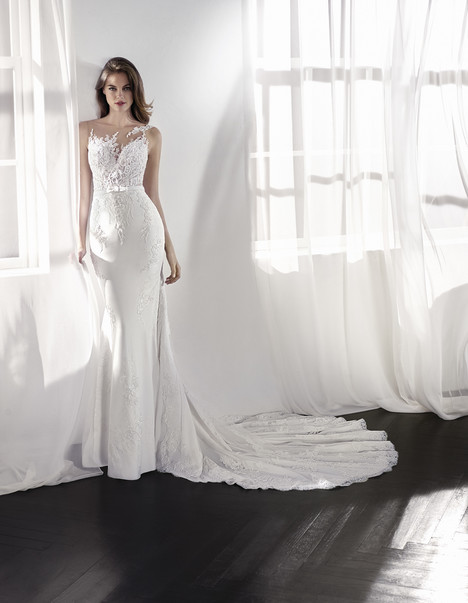 Lanina gown from the 2018 St. Patrick collection, as seen on Bride.Canada