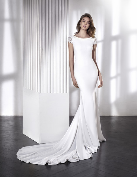 Lara gown from the 2018 St. Patrick collection, as seen on Bride.Canada