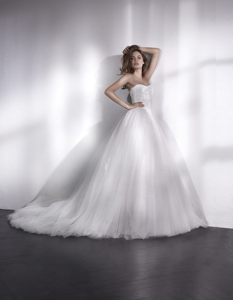 Liesen gown from the 2018 St. Patrick collection, as seen on Bride.Canada