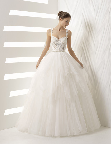 Alessia gown from the 2018 Rosa Clara collection, as seen on Bride.Canada