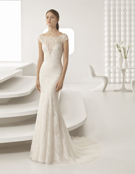 Ada gown from the 2018 Rosa Clara collection, as seen on Bride.Canada