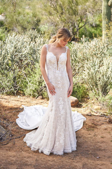 6505 gown from the 2018 Lillian West collection, as seen on Bride.Canada
