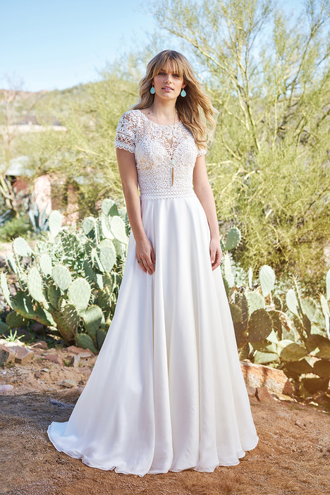 6508 gown from the 2018 Lillian West collection, as seen on Bride.Canada