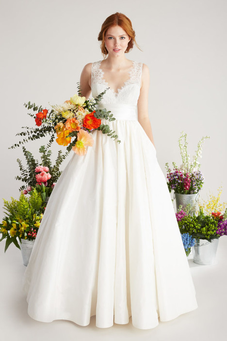 Poppy gown from the 2018 Lea-Ann Belter collection, as seen on Bride.Canada