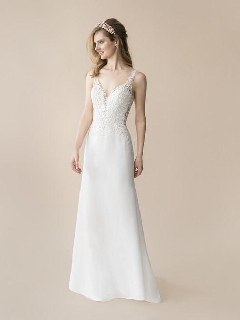 T804 gown from the 2018 Moonlight : Tango collection, as seen on Bride.Canada