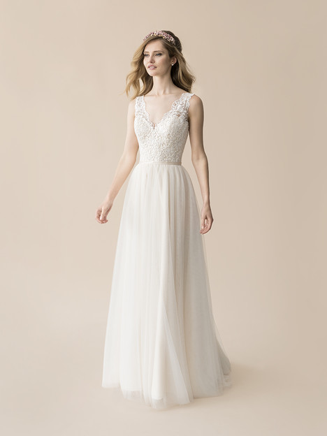 T806 gown from the 2018 Moonlight : Tango collection, as seen on Bride.Canada