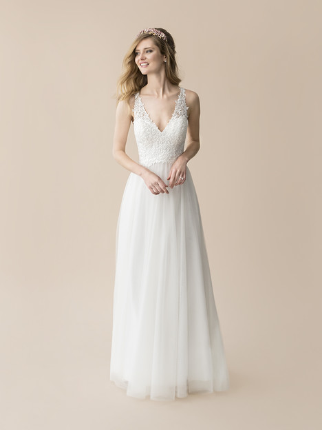 T807 gown from the 2018 Moonlight : Tango collection, as seen on Bride.Canada