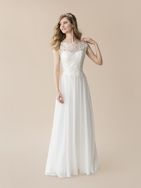 T812 gown from the 2018 Moonlight : Tango collection, as seen on Bride.Canada