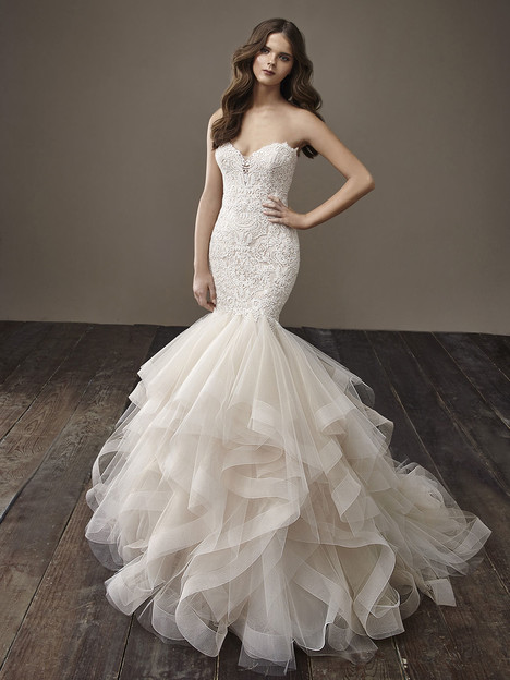 Brianna gown from the 2018 Badgley Mischka Bride collection, as seen on Bride.Canada