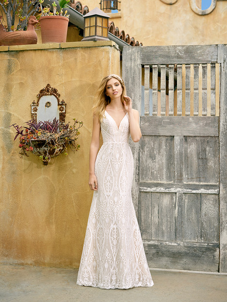 S2072 gown from the 2018 Simply Val Stefani collection, as seen on Bride.Canada