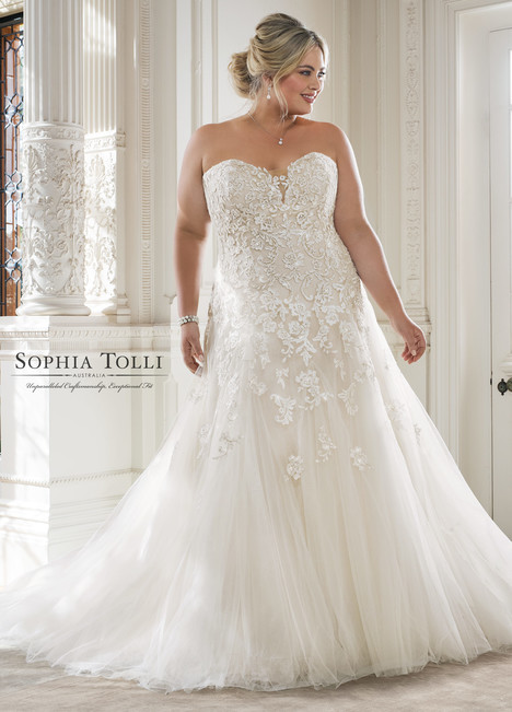 Adonia (Y11866LS) gown from the 2018 Sophia Tolli collection, as seen on Bride.Canada