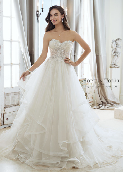 Cleo (Y11867) gown from the 2018 Sophia Tolli collection, as seen on Bride.Canada
