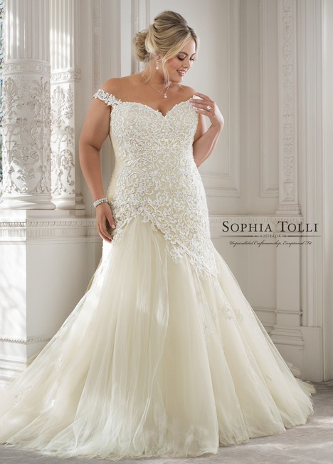 Eleni (Y11884LS) gown from the 2018 Sophia Tolli collection, as seen on Bride.Canada