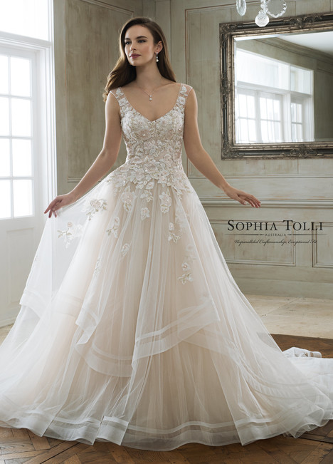 Maia (Y11898) gown from the 2018 Sophia Tolli collection, as seen on Bride.Canada