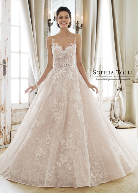 Aphrodite (Y11897) gown from the 2018 Sophia Tolli collection, as seen on Bride.Canada
