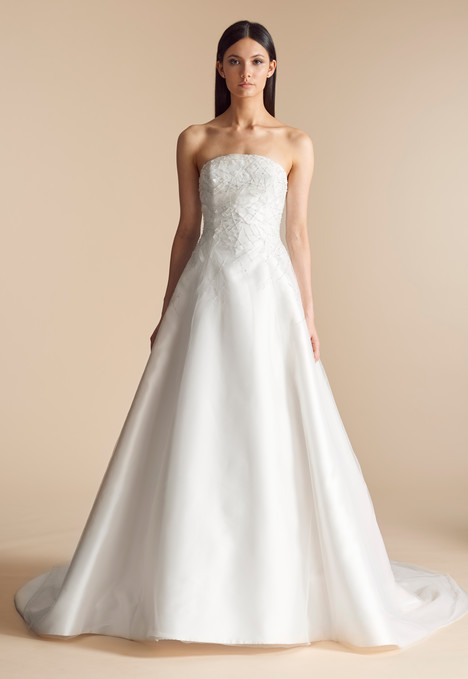 Bexley (4814) gown from the 2018 Allison Webb collection, as seen on Bride.Canada