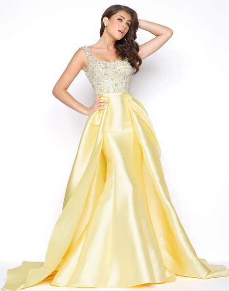 62730M (Lemon) gown from the 2018 Mac Duggal Prom collection, as seen on Bride.Canada