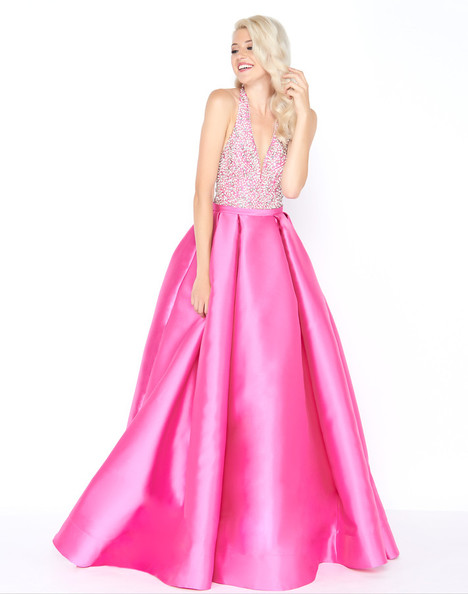 62972M (Fuchsia) gown from the 2018 Mac Duggal Prom collection, as seen on Bride.Canada