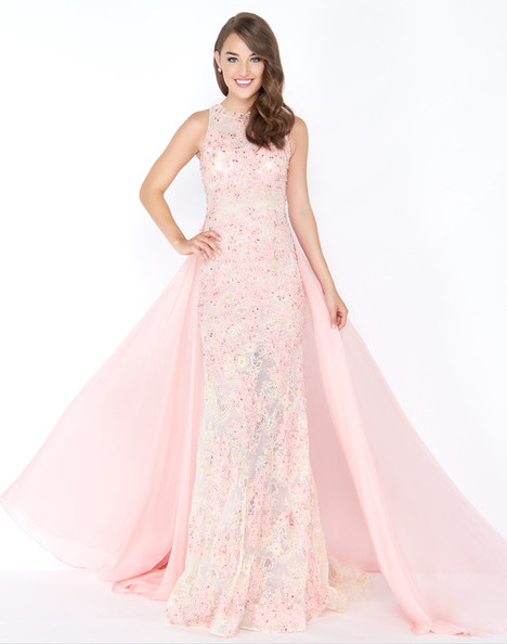 66288M (Blush) gown from the 2018 Mac Duggal Prom collection, as seen on Bride.Canada