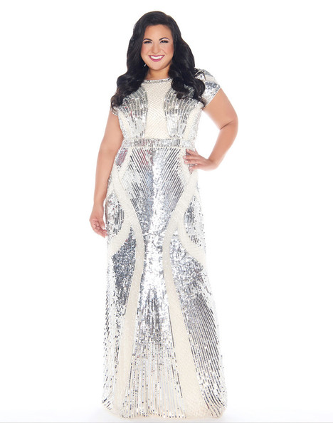 4676F (Silver) gown from the 2018 Mac Duggal : Fabulouss collection, as seen on Bride.Canada