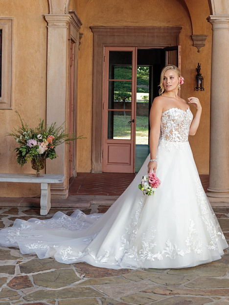 2311 (Classic Fit) gown from the 2018 Casablanca Bridal collection, as seen on Bride.Canada