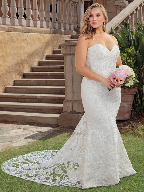 2326 (Classic Fit) gown from the 2018 Casablanca Bridal collection, as seen on Bride.Canada