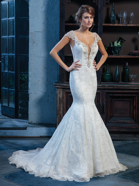 C130 gown from the 2018 Amare collection, as seen on Bride.Canada
