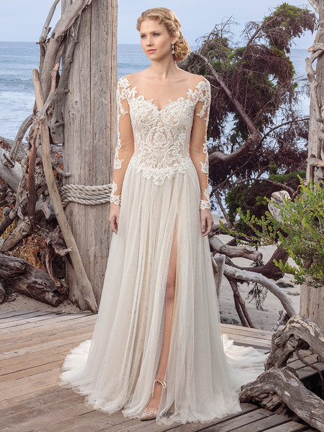BL251 gown from the 2018 Beloved By Casablanca collection, as seen on Bride.Canada
