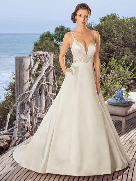 BL257 gown from the 2018 Beloved By Casablanca collection, as seen on Bride.Canada